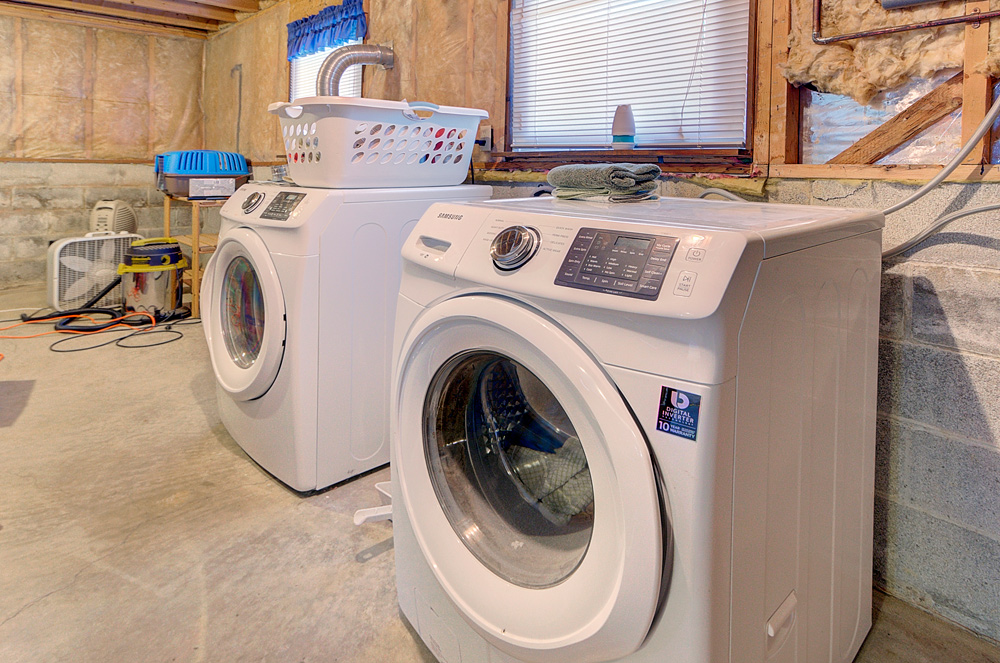 5821_LAUNDRY-IN-BASEMENT